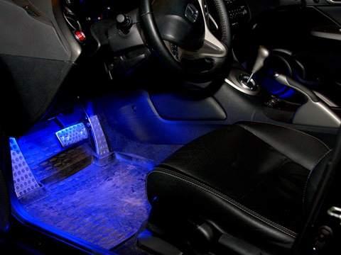 Рассеянный свет в салоне  автомобиля