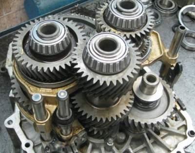 Вид изнутри механической коробки  передач